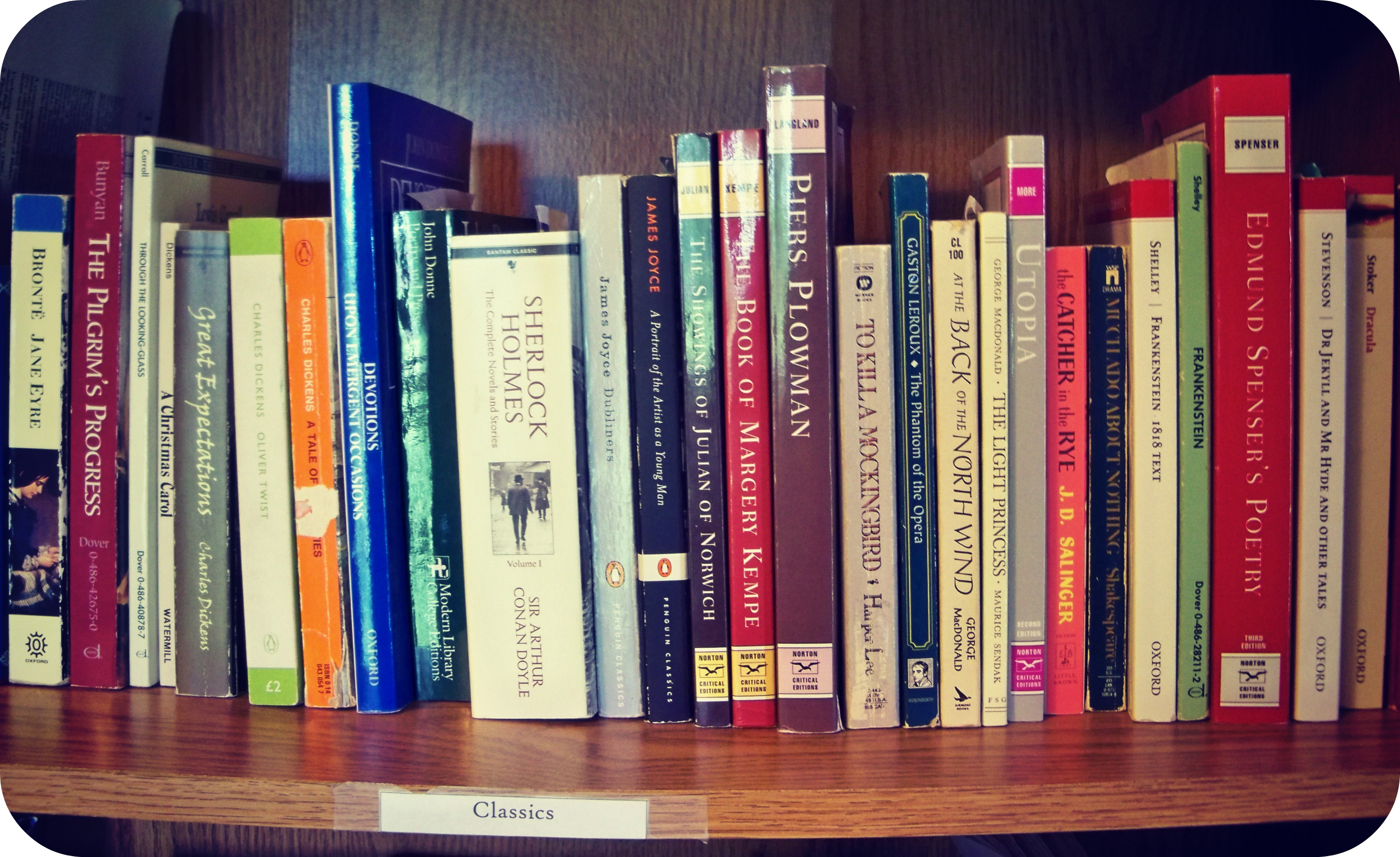 & An Experiment in Minimalism: Tackling the Bookshelf