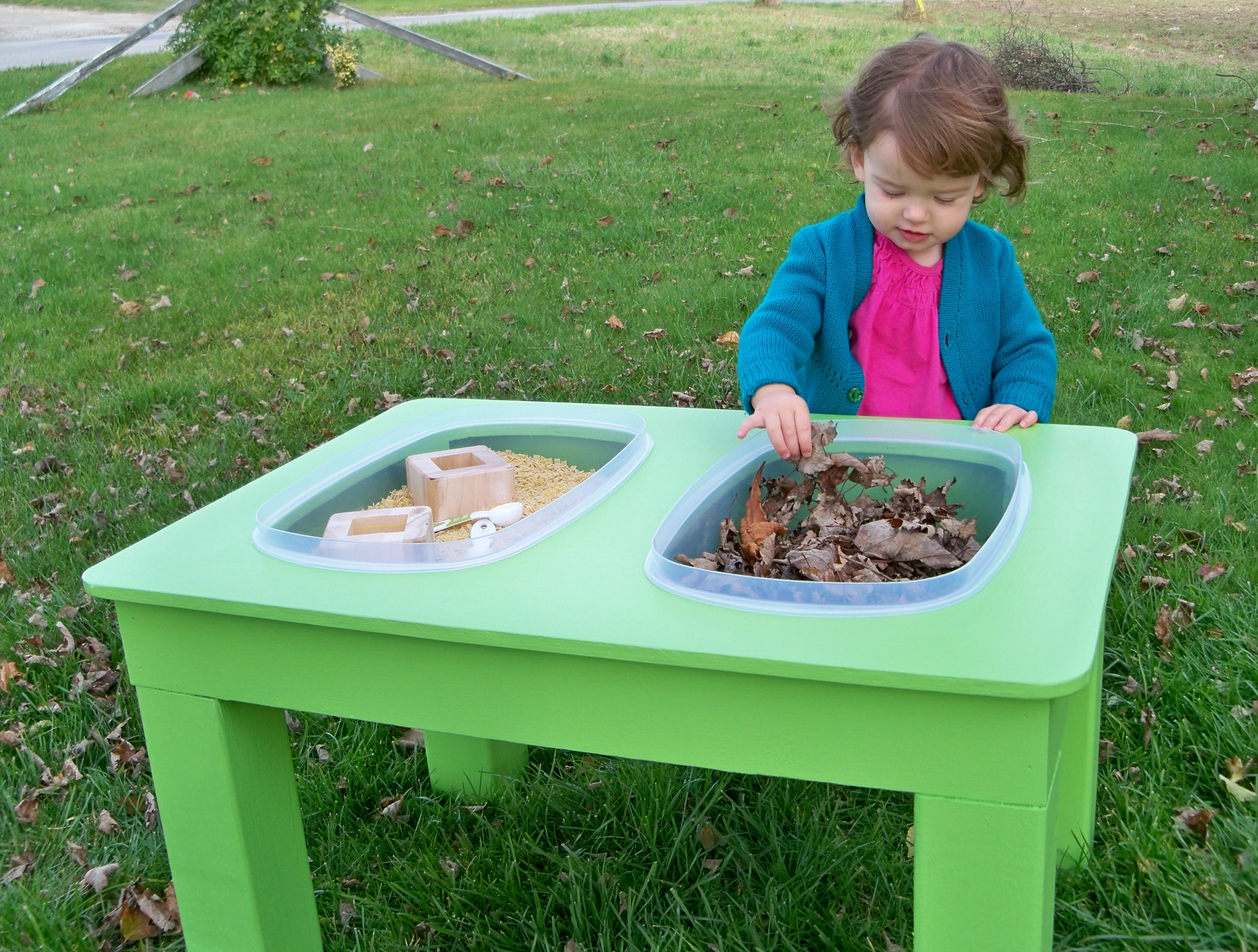 raising a low-media toddler: the sensory table to the rescue