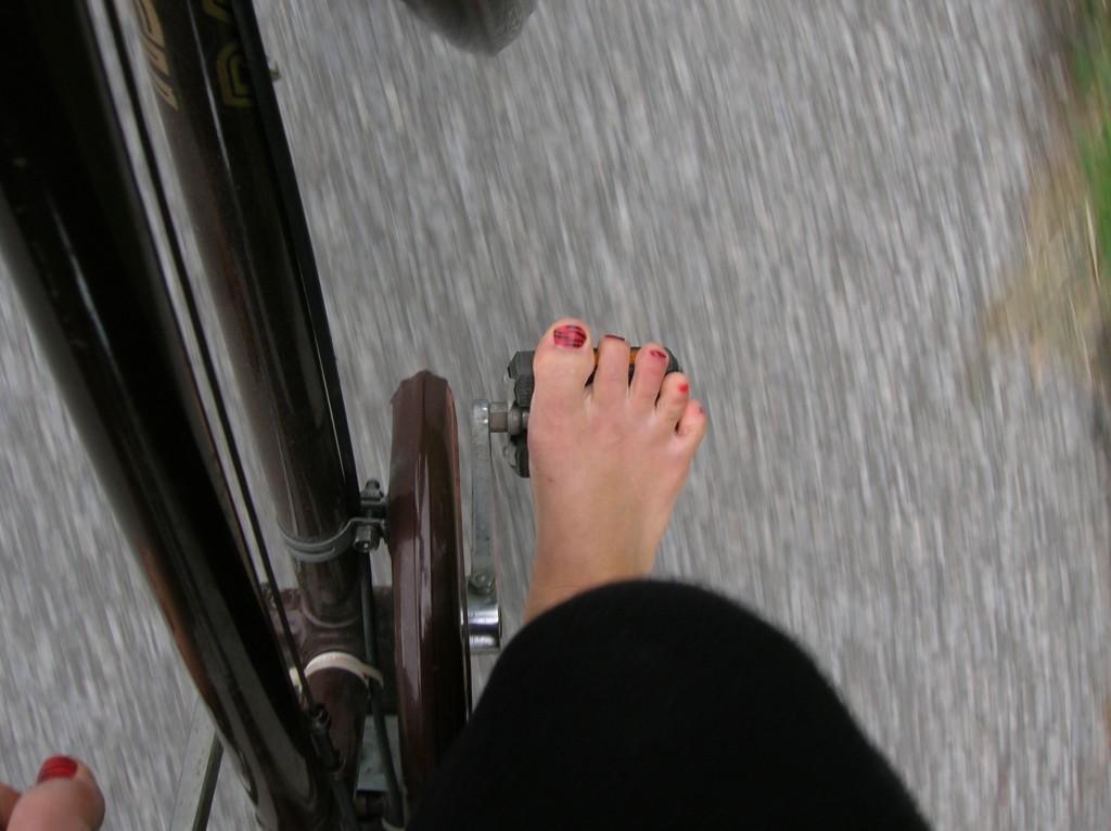 biking barefoot