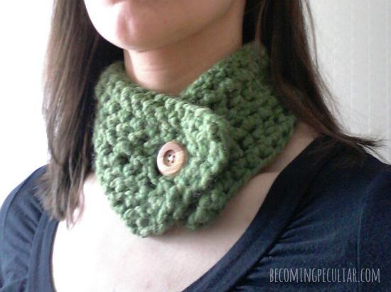 crocheted scarflette