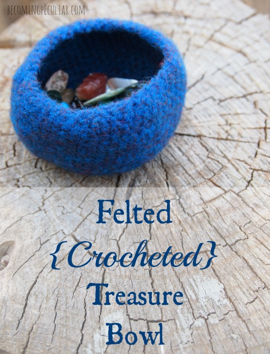 DIY felted crocheted treasure bowl - tutorial and pattern