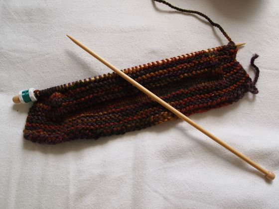 Best tools for your very first knitting project: big bamboo needles and chunky yarn